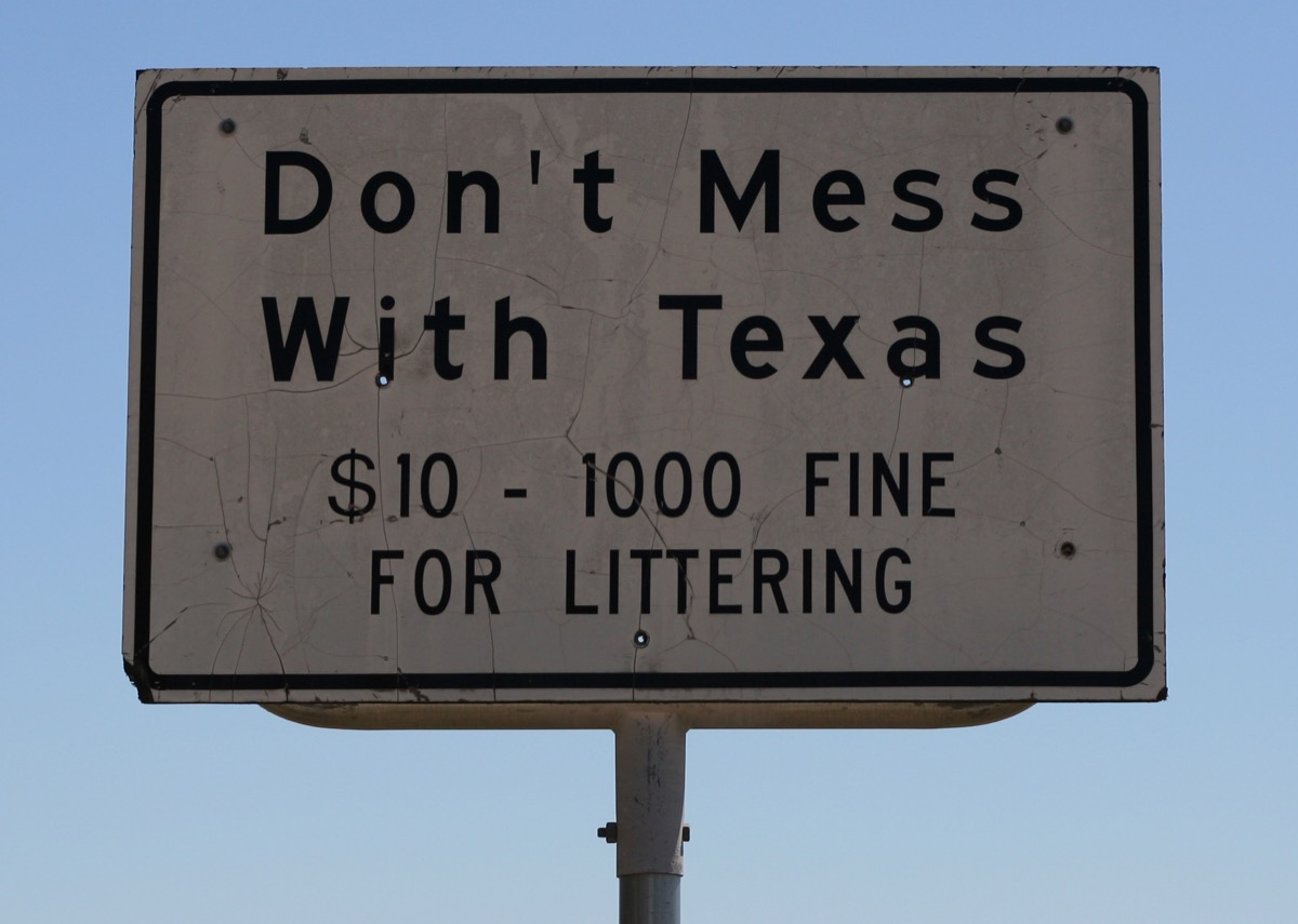 Littering sign for Texas