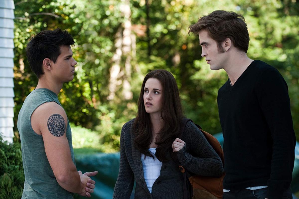 Kristen Stewart, Taylor Lautner, and Robert Pattinson in The Twilight Saga: Eclipse, best teen romance movies