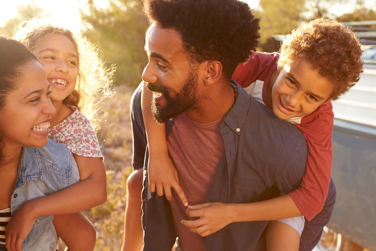 Parents giving their kids piggybacks relationships with big age difference