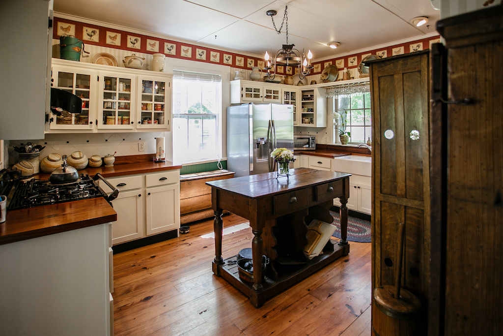 Farm house style kitchen tricks to make your home festive