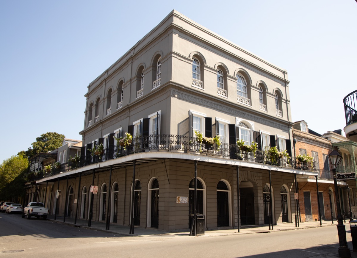 the haunted lalauire mansion in new orleans