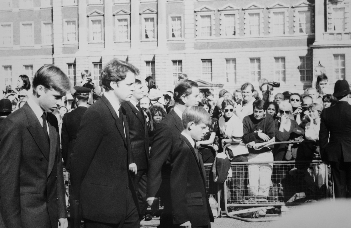 the procession at the funeral of princess diana