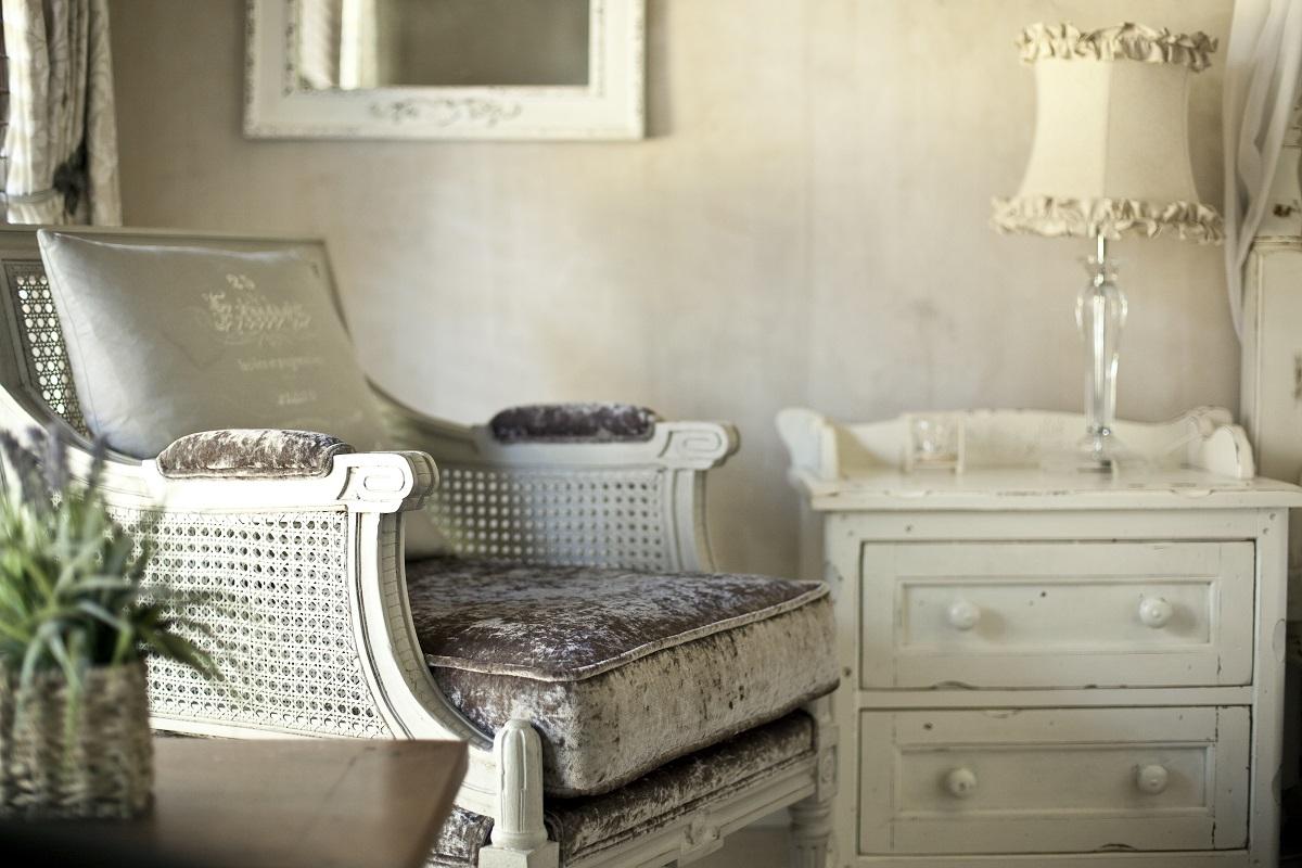 Shabby chic home worst interior design trends