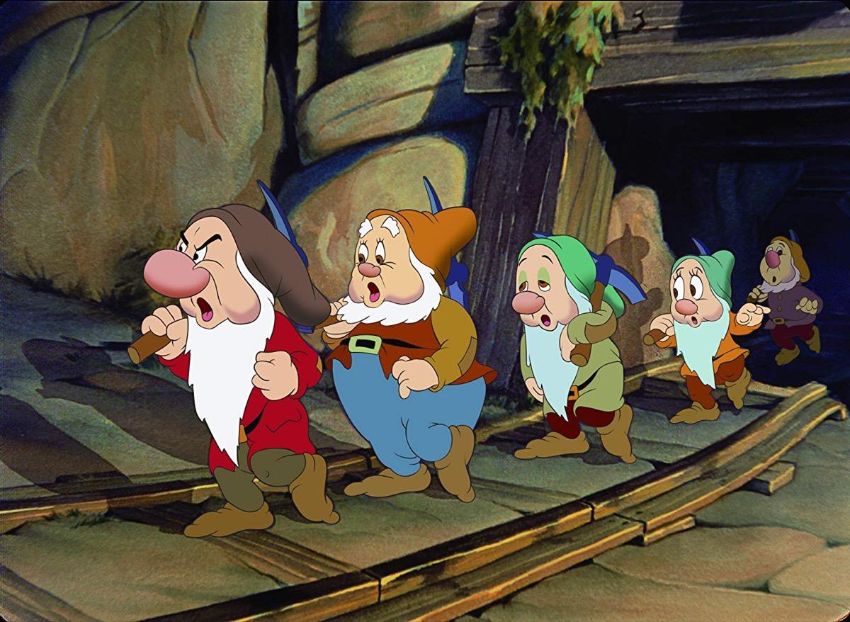 Eddie Collins, Pinto Colvig, Billy Gilbert, Otis Harlan, and Scotty Mattraw in Snow White and the Seven Dwarfs (1937)