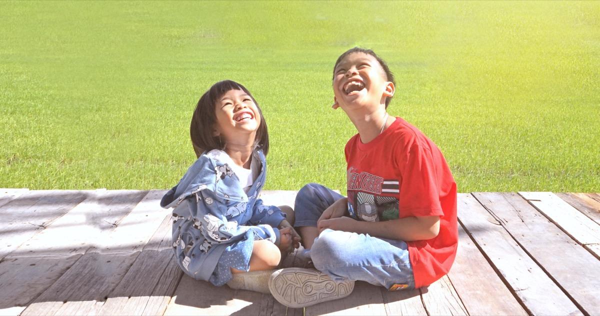 kids laughing in thailand, funny kid jokes