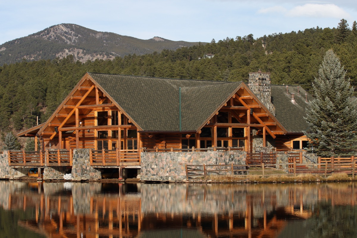 Colorado log cabin most popular house styles