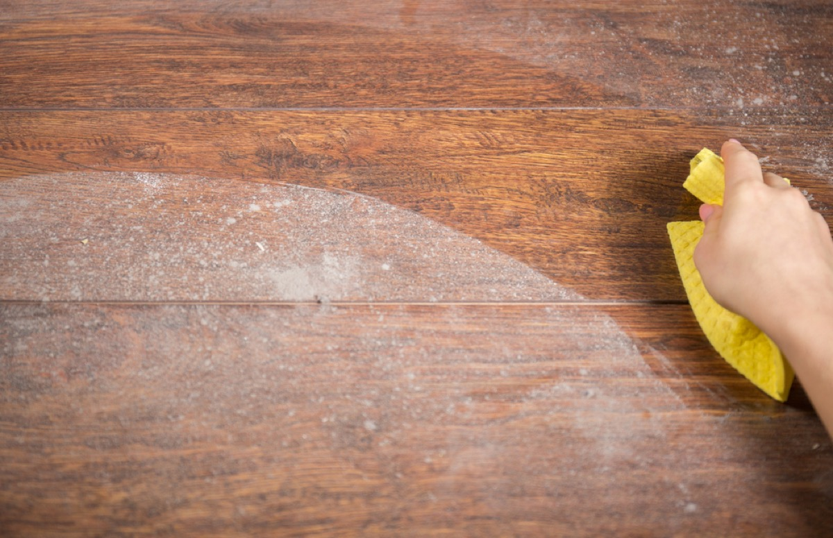 dusting wood surface, cleaning mistakes