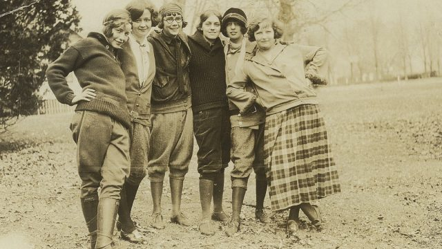Family Photo of Flappers From the 1920s {1920s Slang}