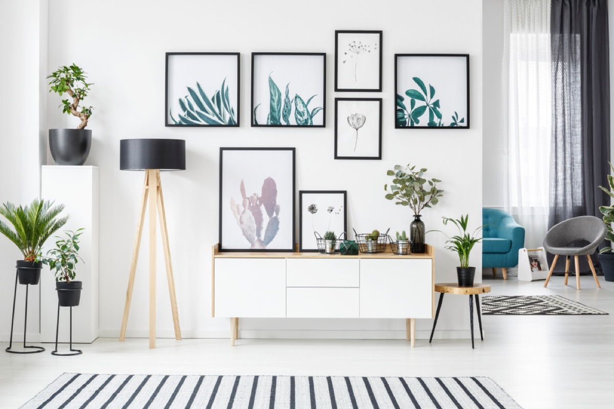 gallery wall interior design mistakes