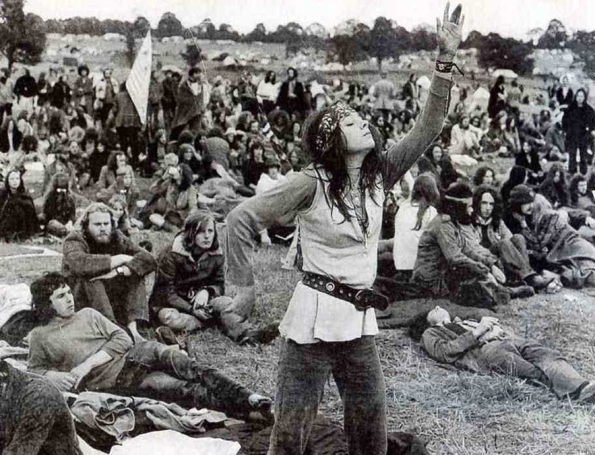 The Hippie Look {Style Through the Years}