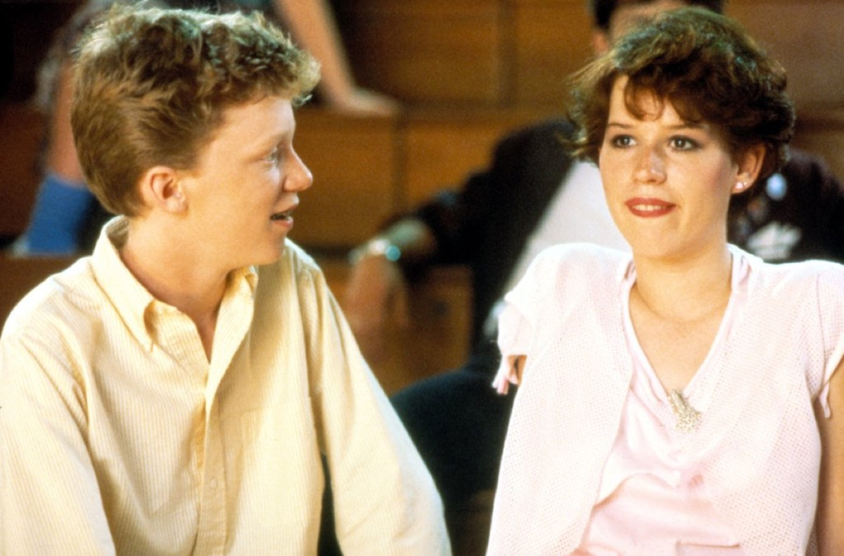 Molly Ringwald and Anthony Michael Hall in Sixteen Candles (1984)