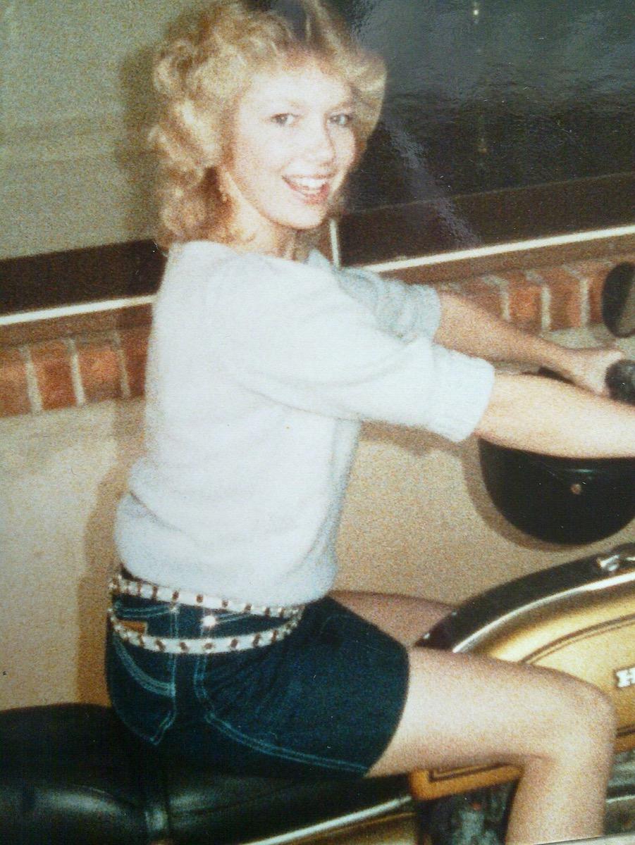 cool 1980s style miniskirt