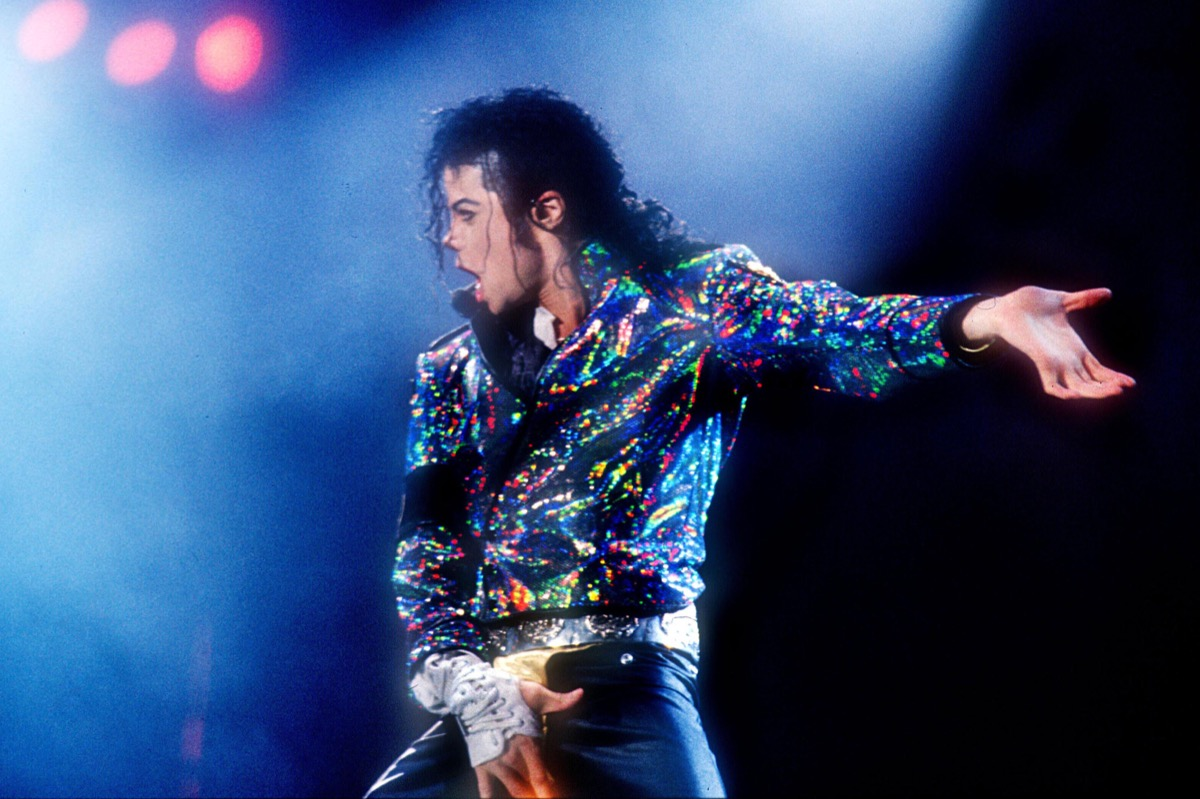 michael jackson at a concert in 1988
