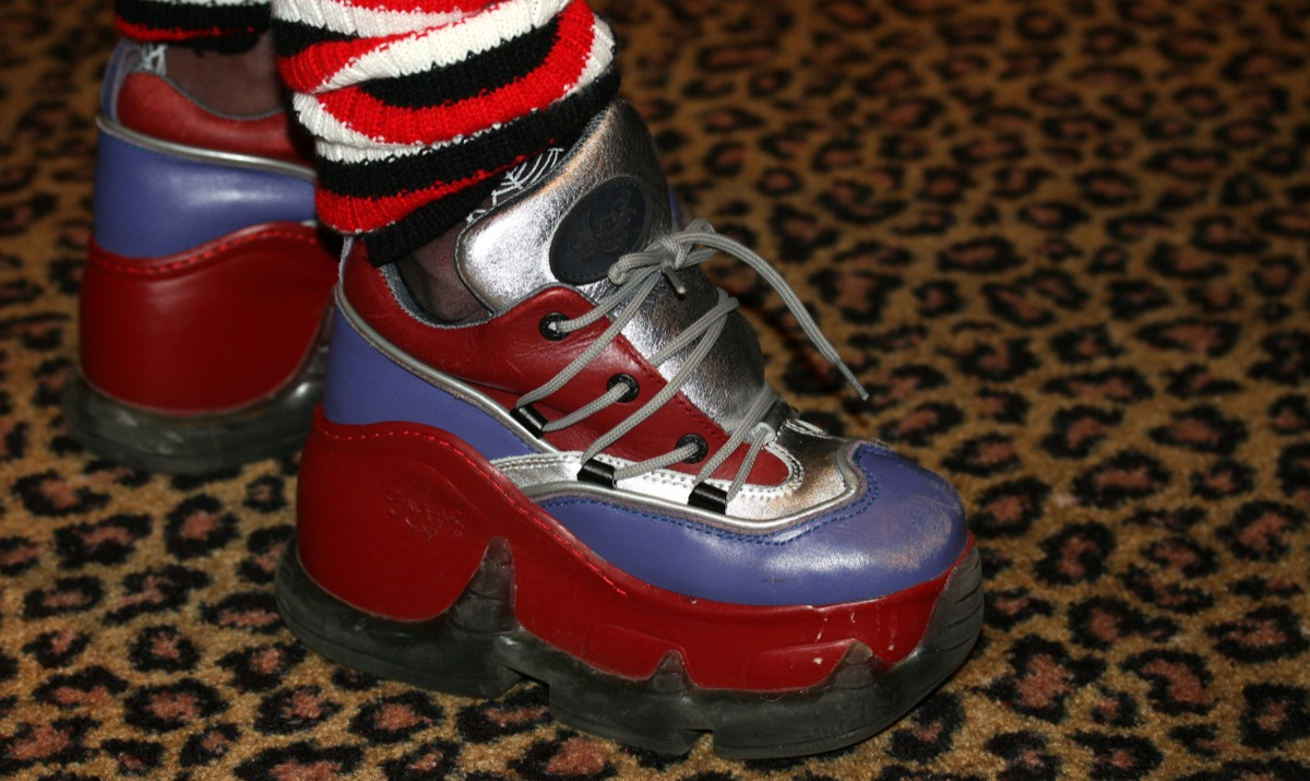 90s fashion platform sneakers