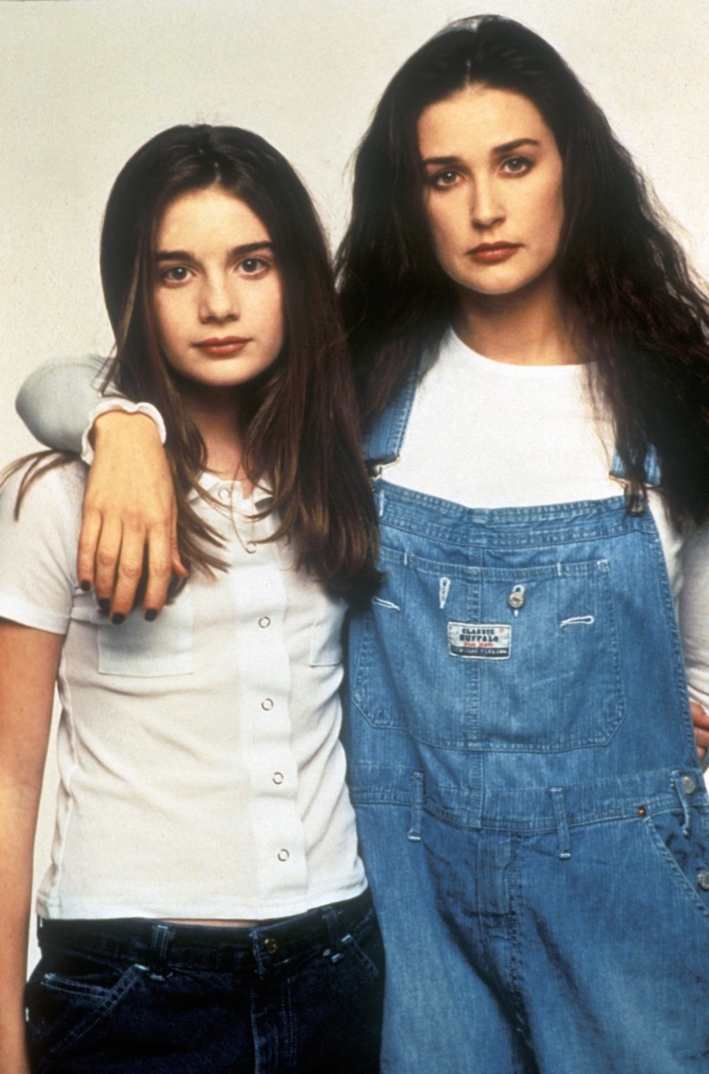 Now and Then stars Gaby Hoffman and Demi Moore, wearing overalls, a classic '90s fashion trend