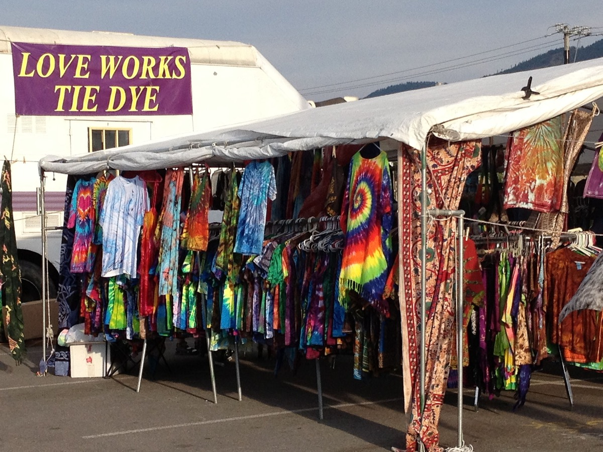 Tie Dye stand