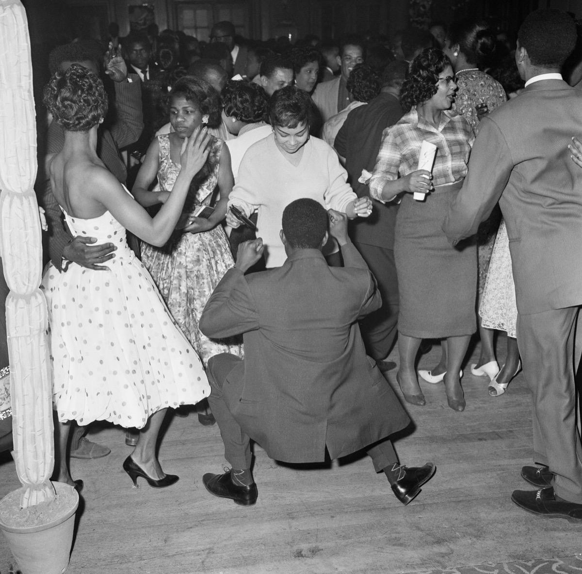 men and women dancing cool grandparent photos