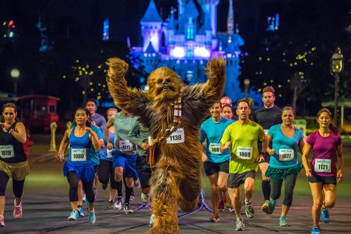 chewbacca running a marathon with marathoners