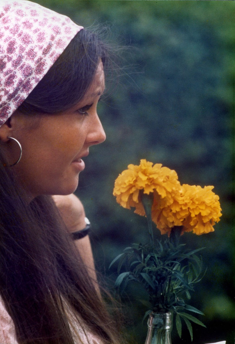 head scarf 1970s style