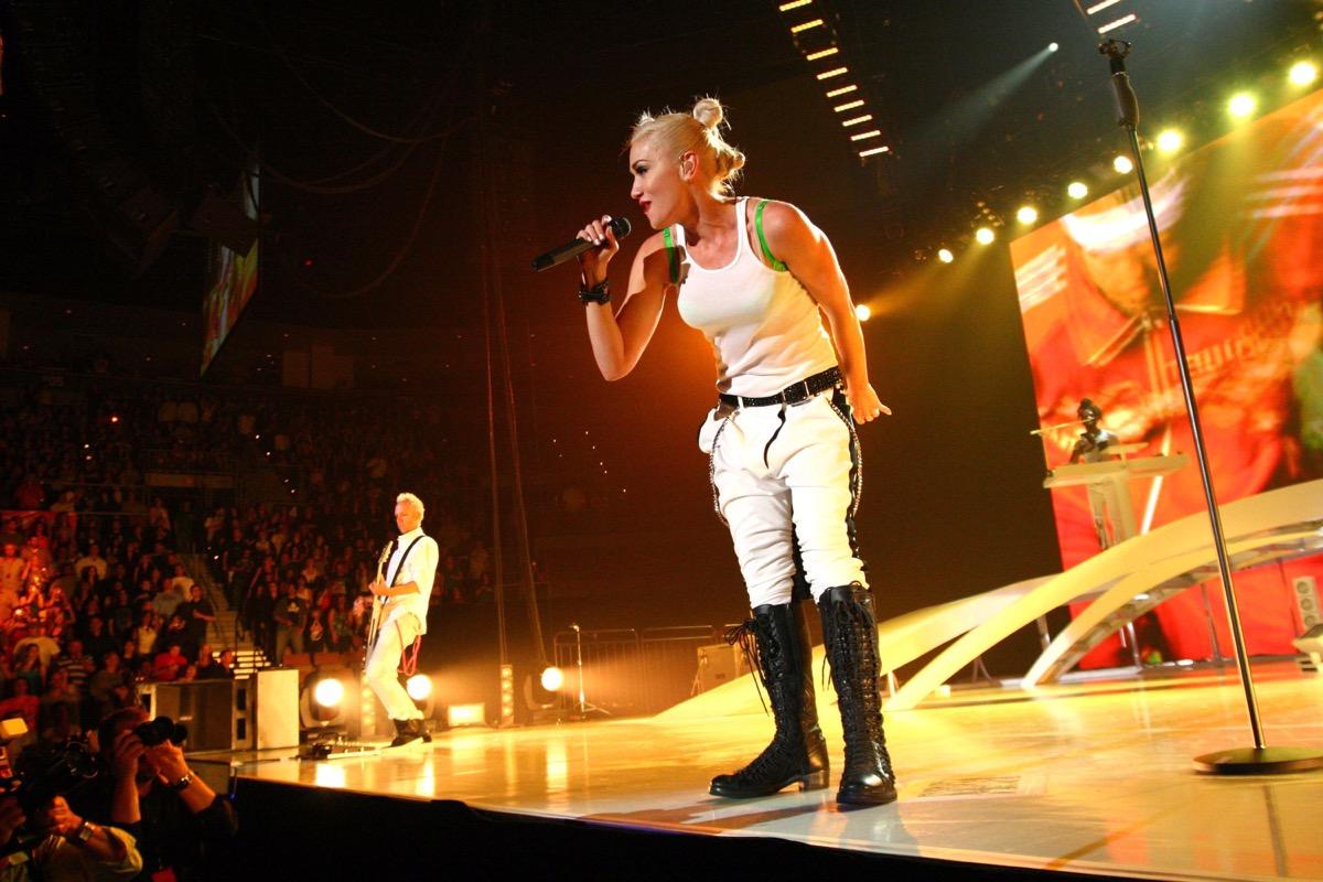 no doubt performing on stage gwen stefani, best breakup songs