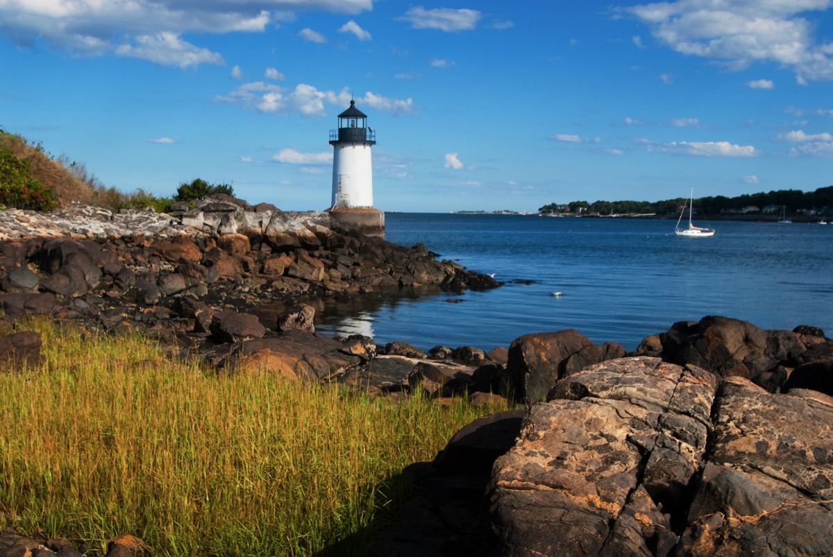 lighthouse in salem massachusetts, most common town names