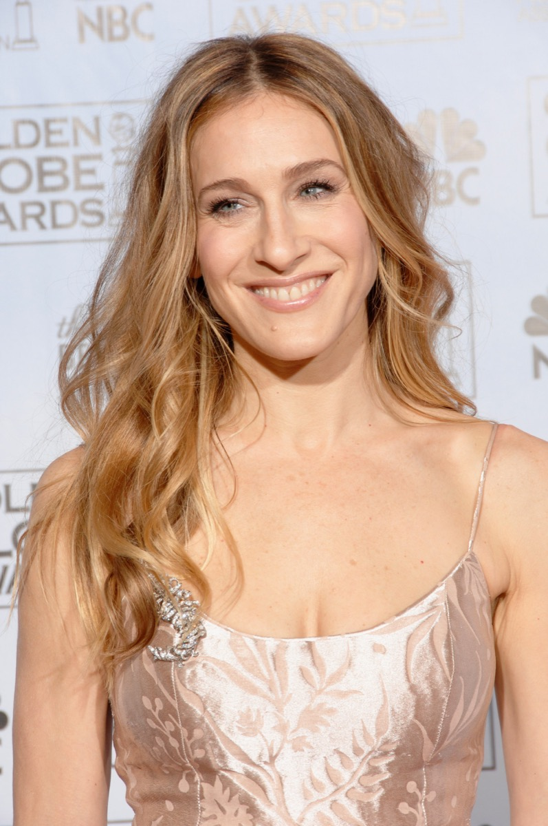 Sarah Jessica Parker middle-parted waves women's hairstyles