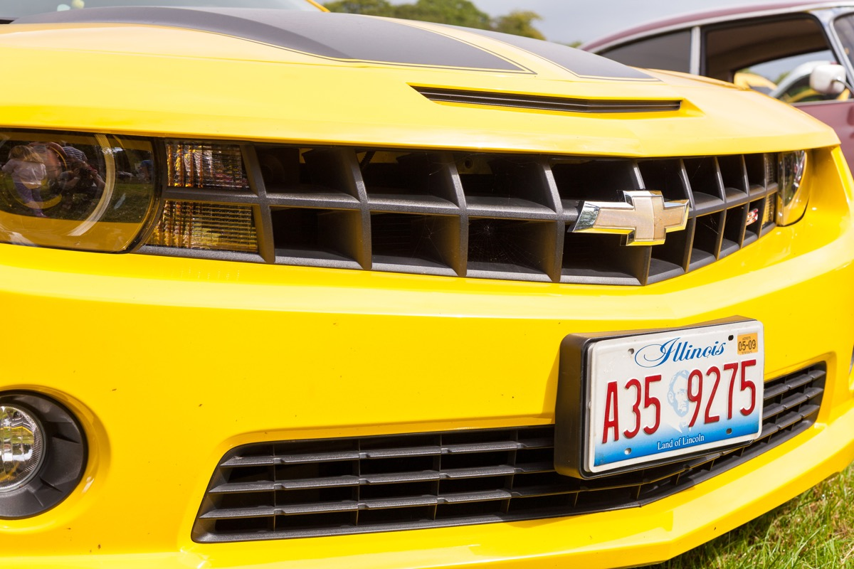 yellow-chevy-car with illinois license plate, state fact about illinois