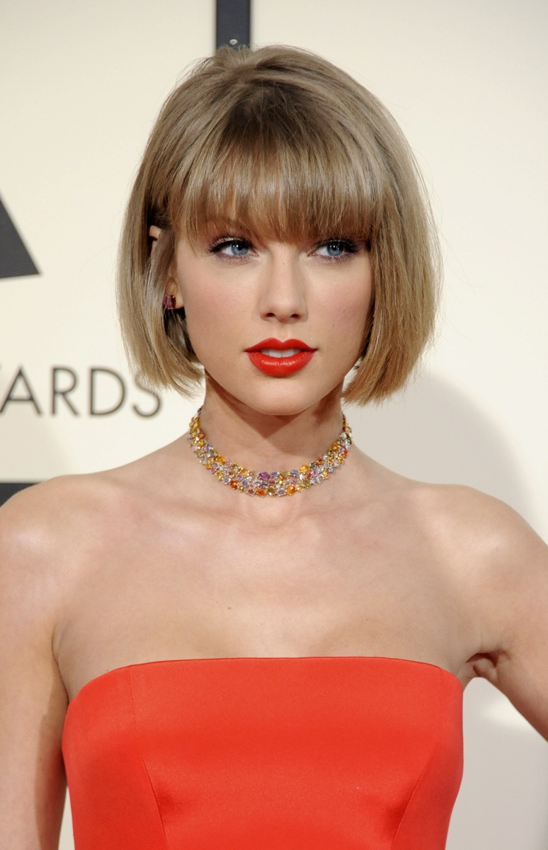 taylor swift blunt bob and bangs women's hairstyles