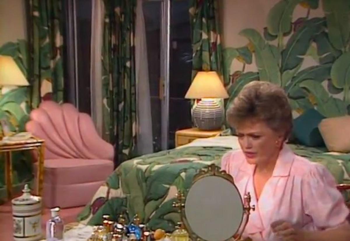 golden girls show still, 1980s home decor