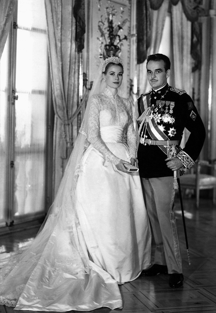 GRACE KELLY and PRINCE RAINIER III PRINCE at wedding in 1956