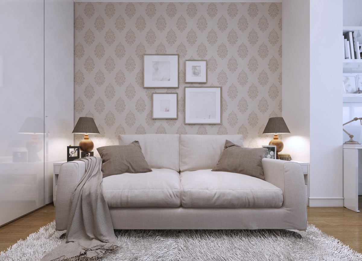 accent wallpaper in living room