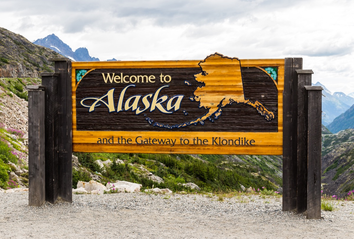 alaska, state welcome sign, iconic state photos