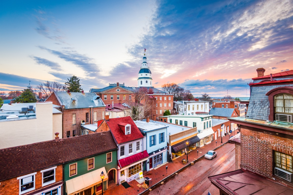 annapolis maryland with state capitol buildings