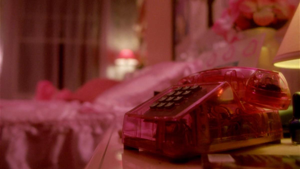 belly movie still, transparent phone, 1990s home decor