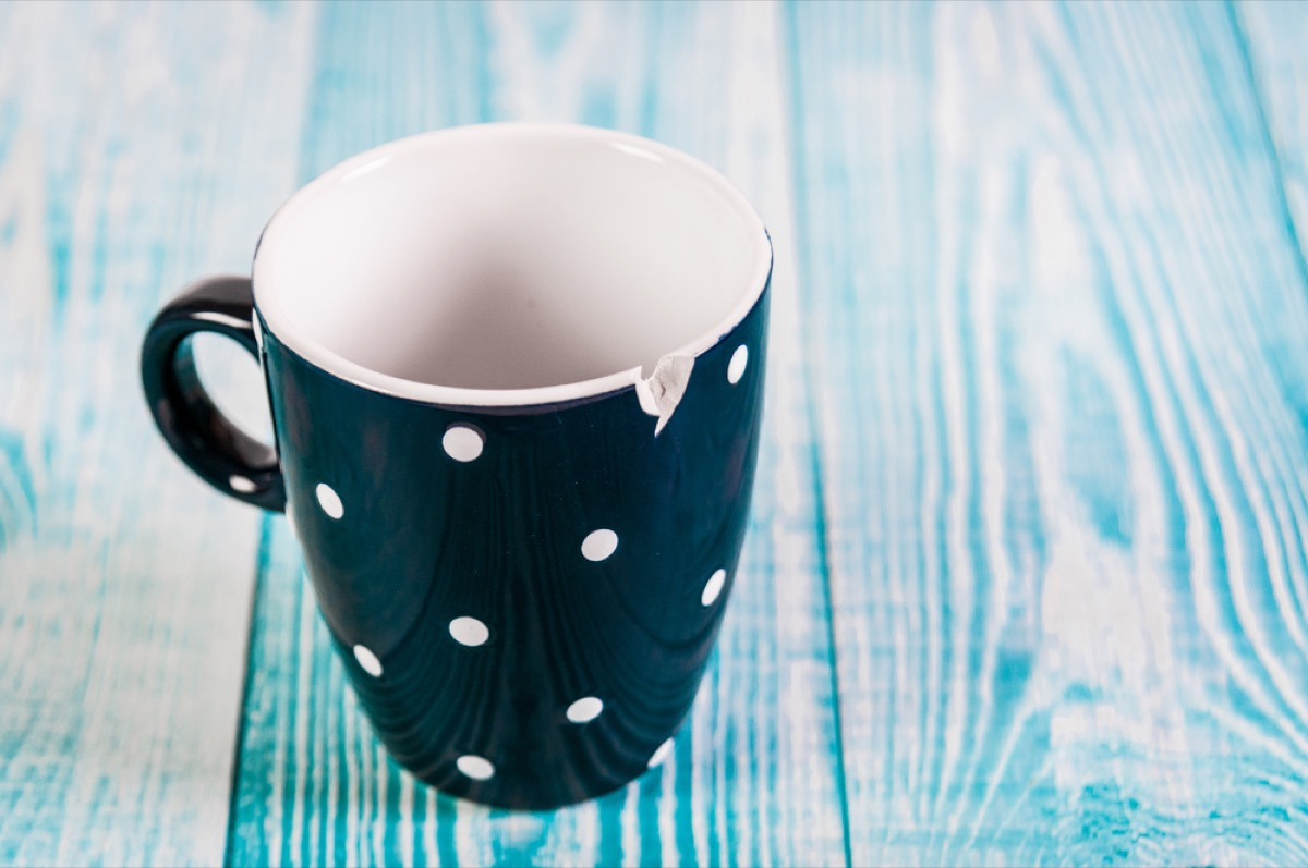 broken mug things to throw away