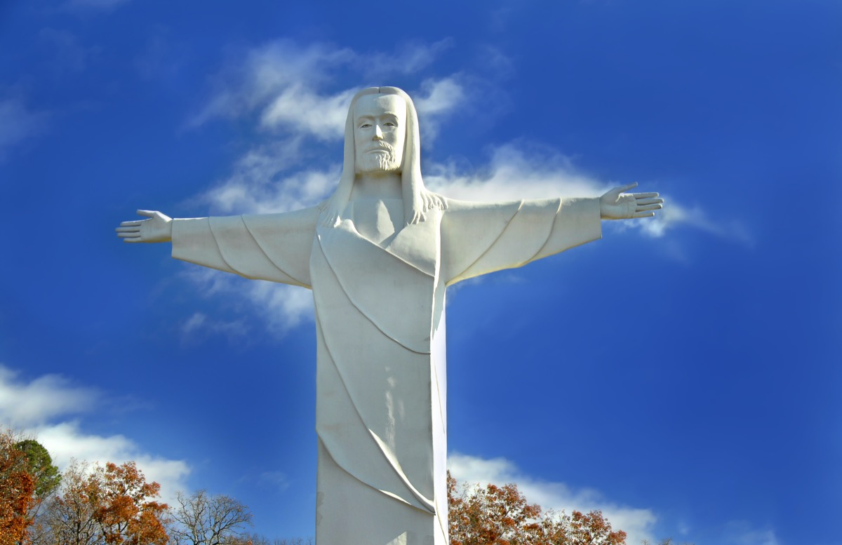 christ of the ozarks statue in arkansas, iconic state photos
