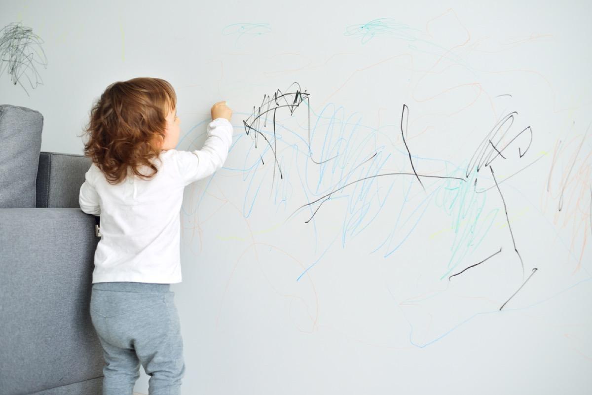 child drawing on wall, diy hacks