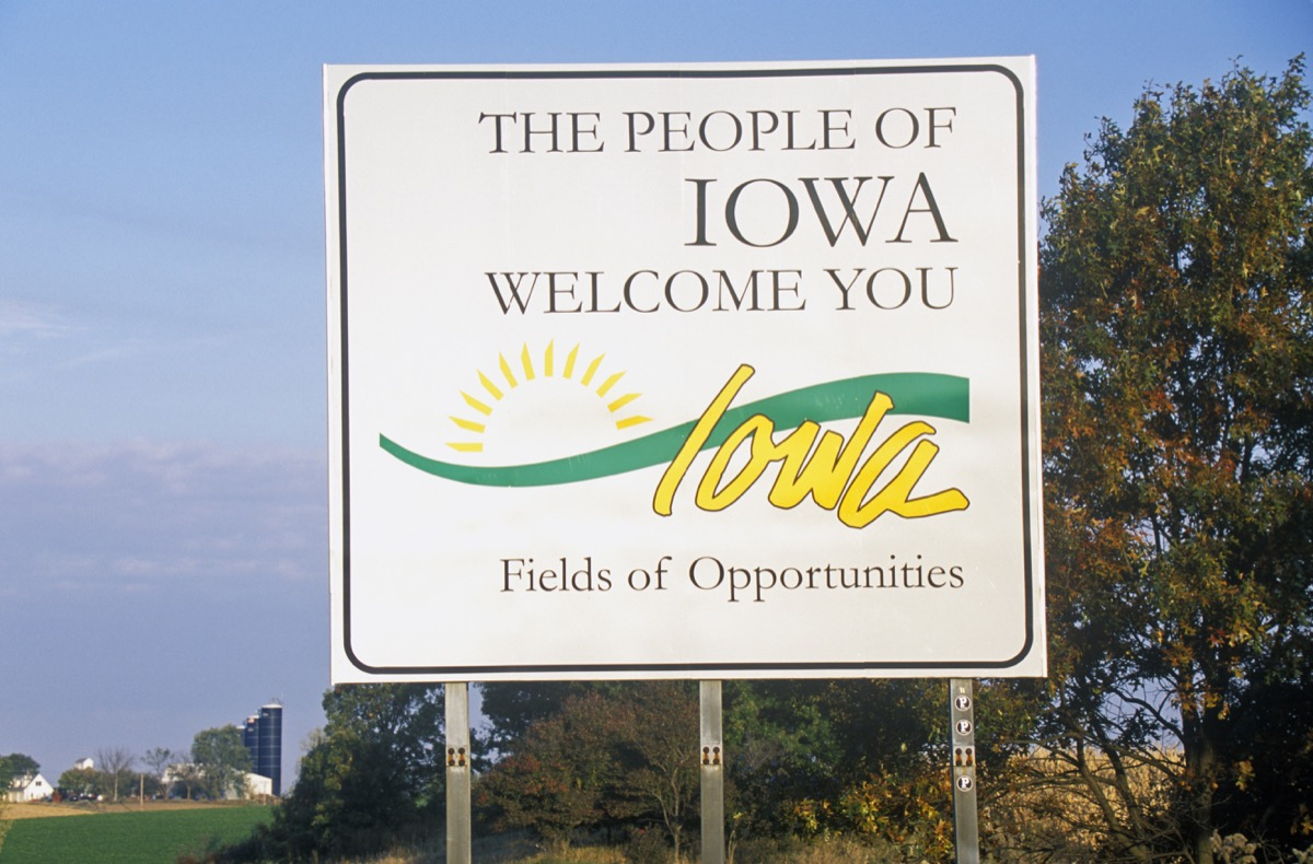 iowa state welcome sign, iconic state photos