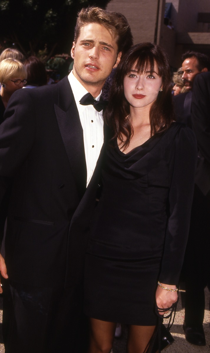 jason priestly and shannen doherty, 1990s, 90210, vintage red carpet photos