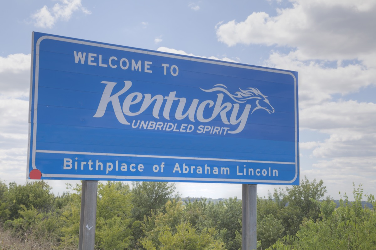 kentucky state welcome sign