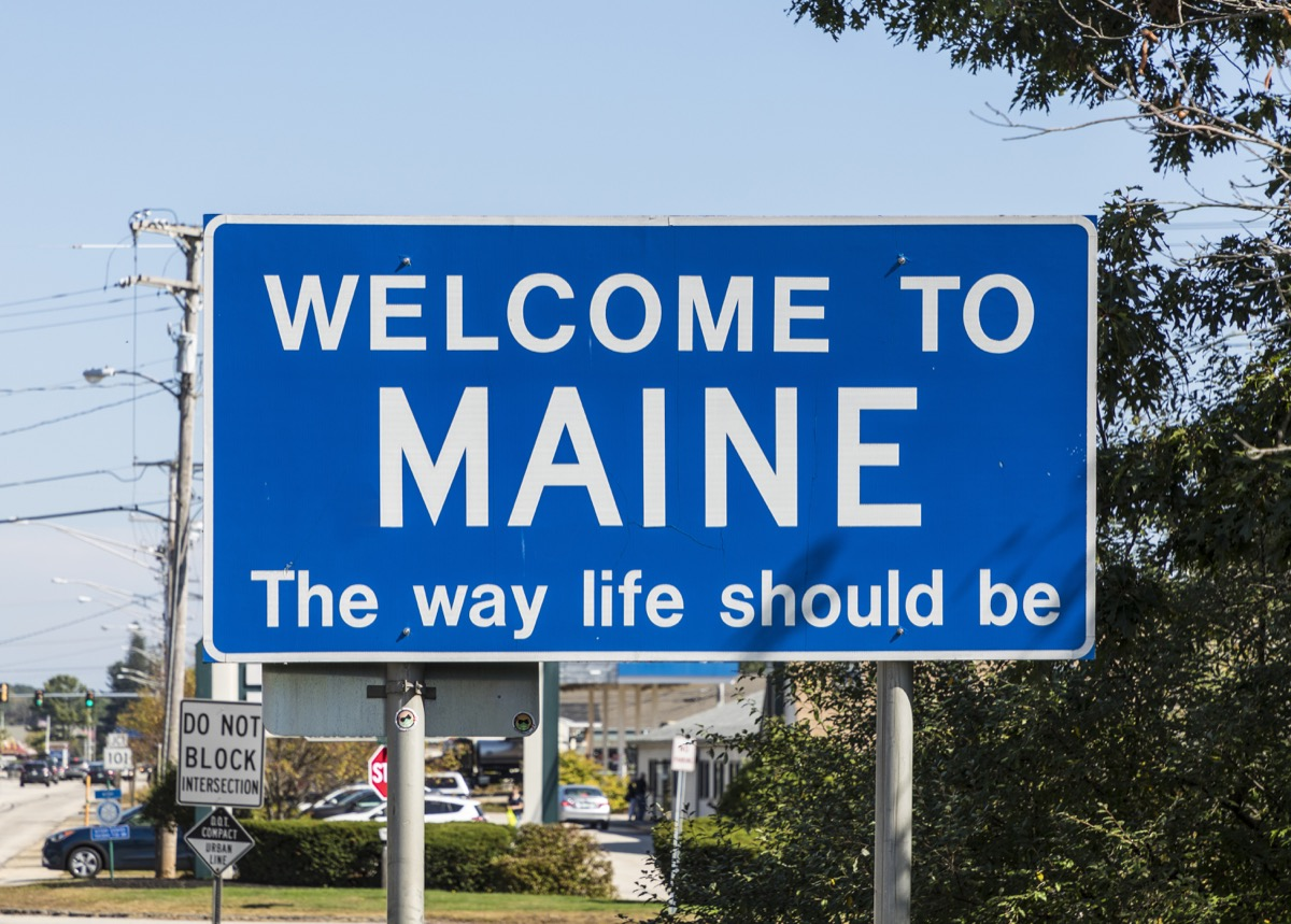 maine state welcome sign, iconic state photos