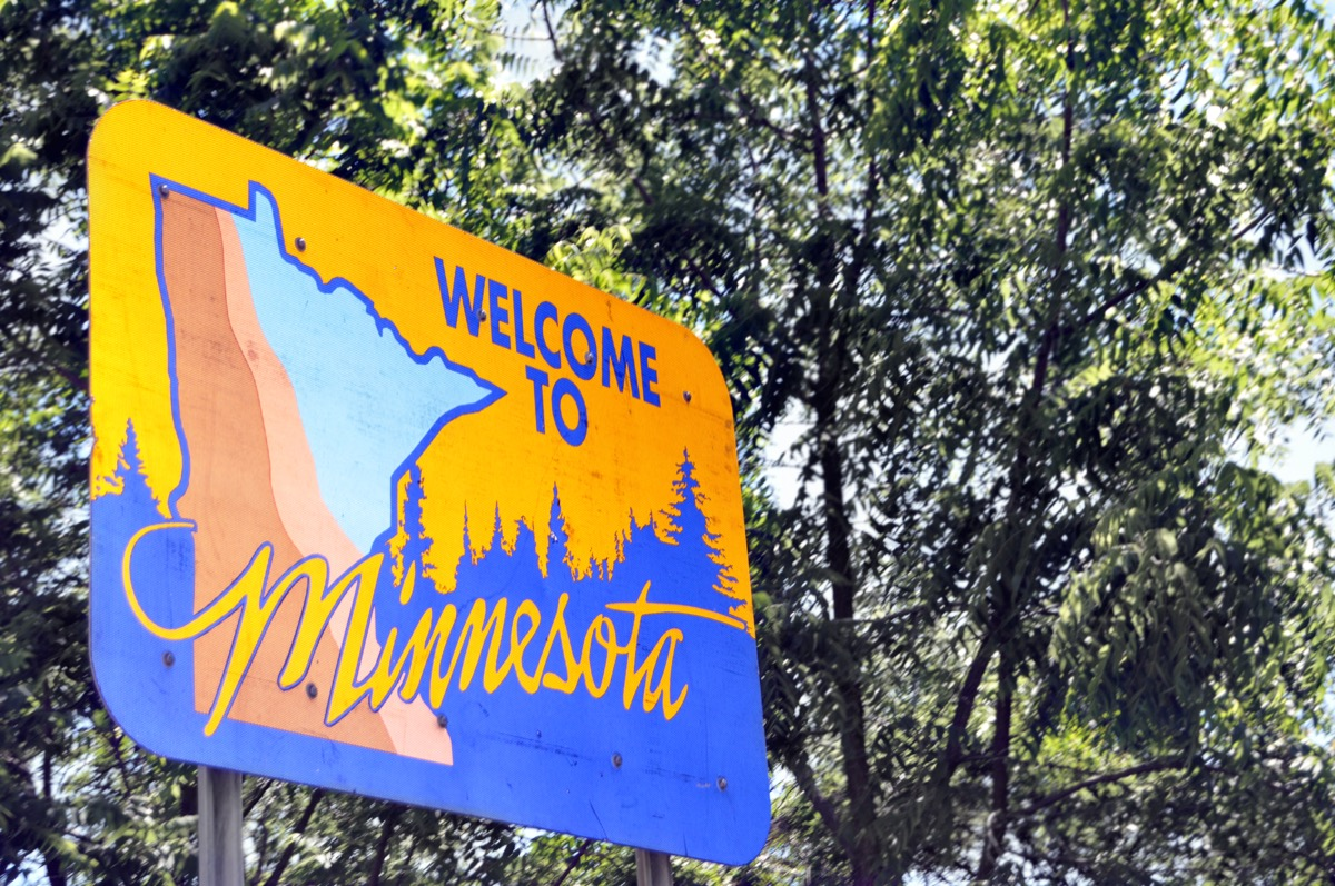 minnesota state welcome sign, iconic state photos