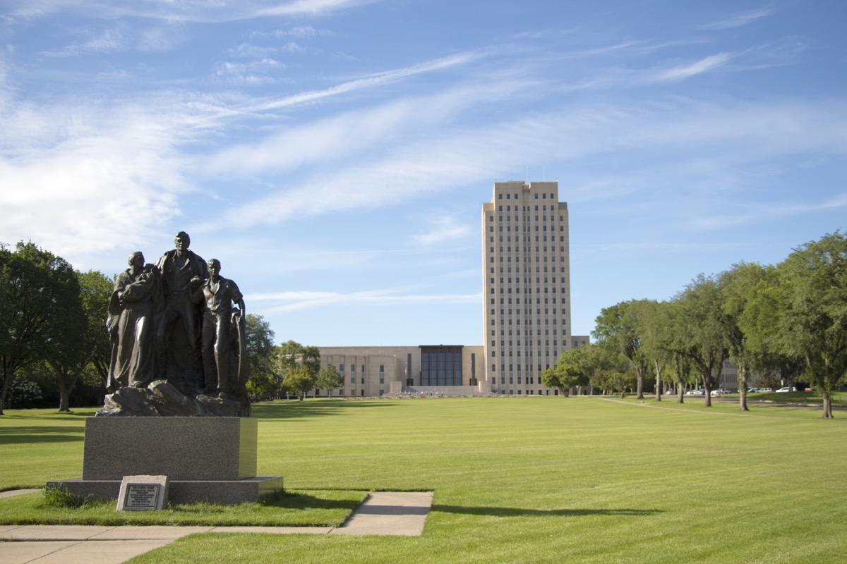 north dakota state capitol buildings