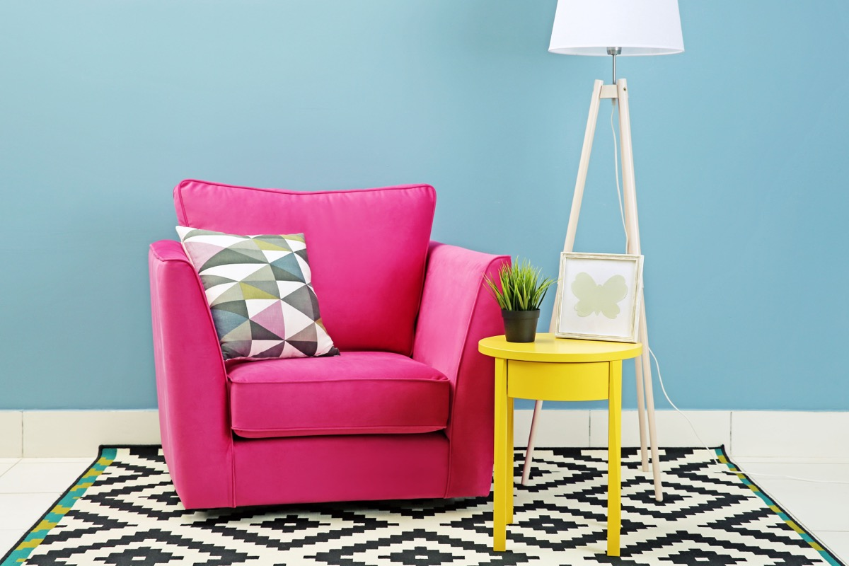 pink-chair-in-the-home