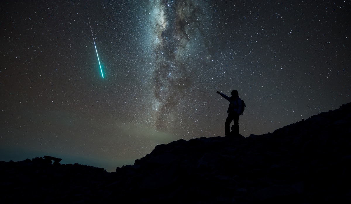 shooting star in the night sky, interesting facts