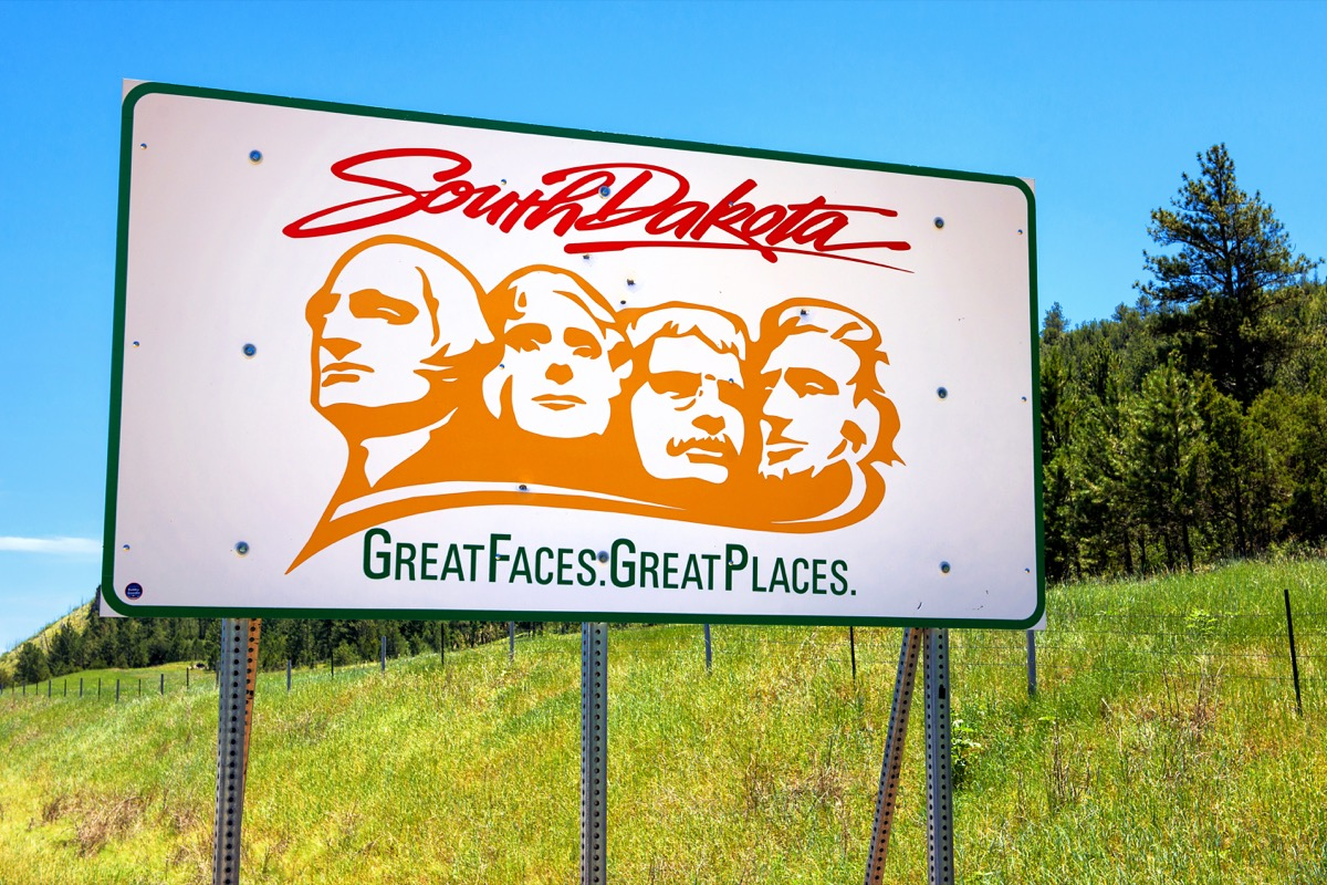 south dakota state welcome sign, iconic state photos