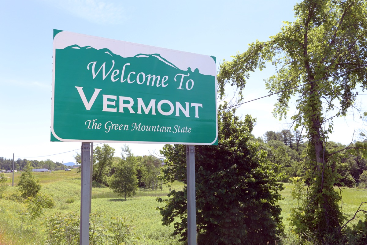 vermont state welcome sign, iconic state photos