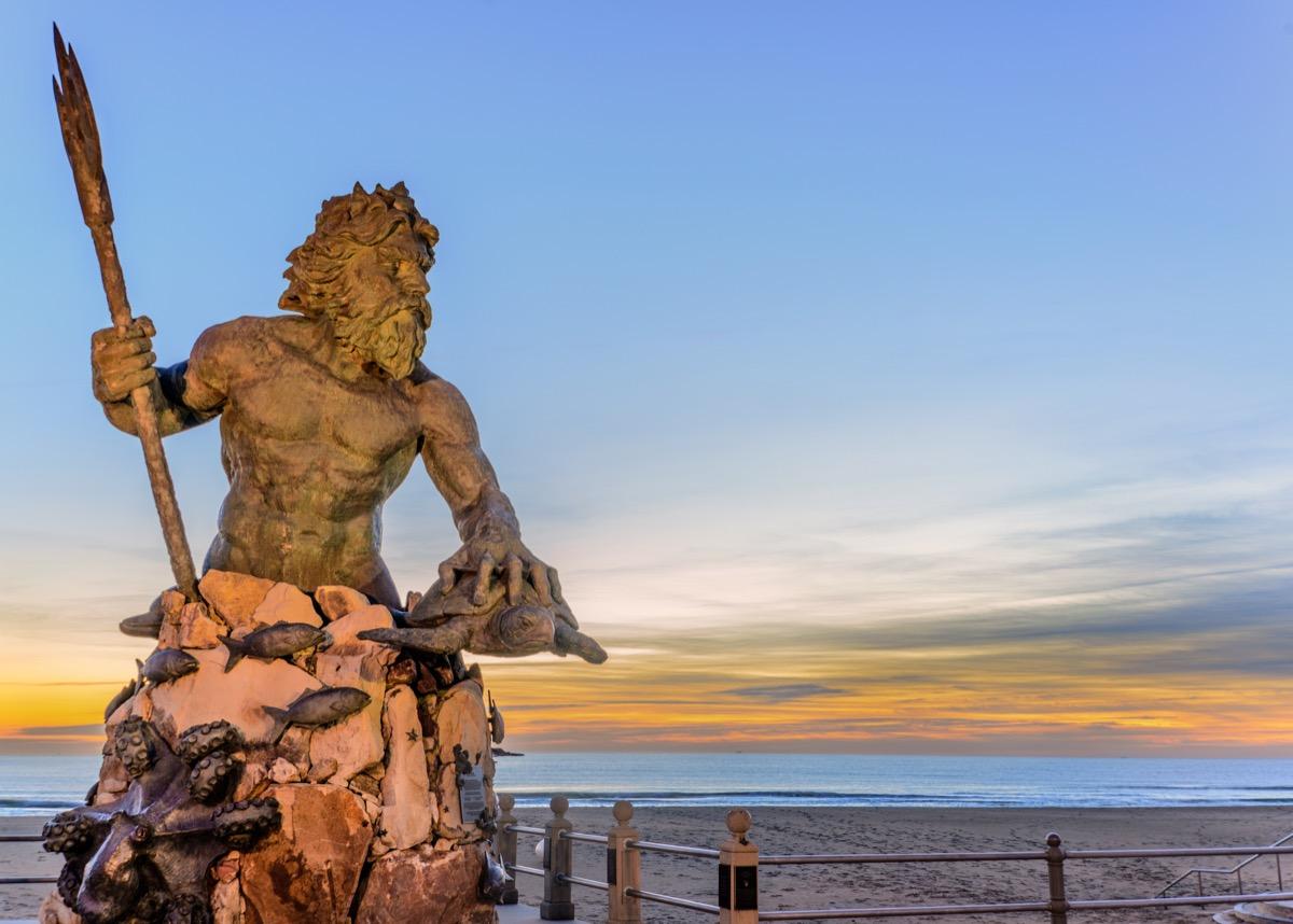 virginia beach statue of king neptune, iconic state photos