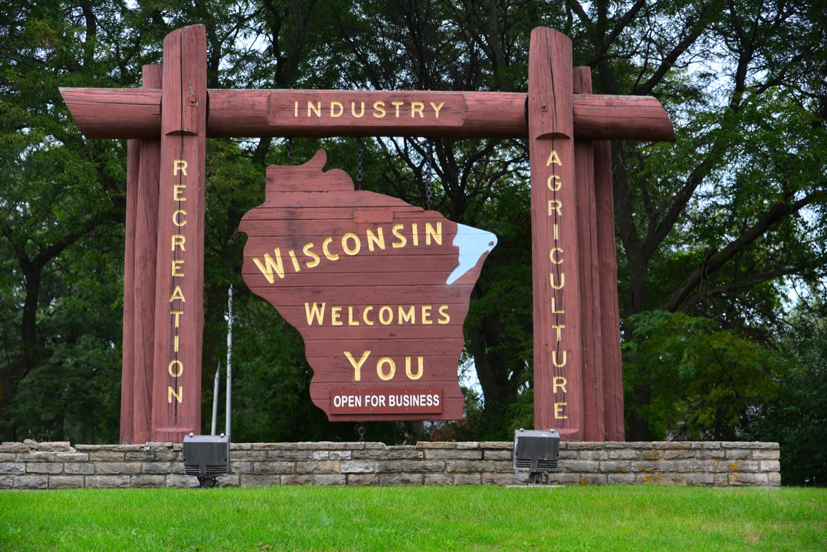Wisconsin state welcome sign, iconic state photos
