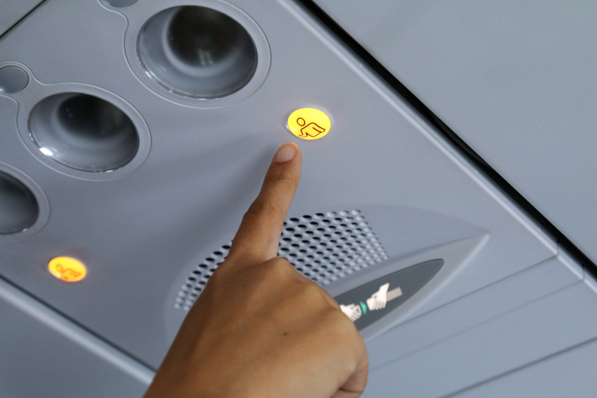 call button on airplane things that horrify flight attendants